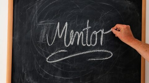 Un guía con experiencia que te ayude: programa Mentoring de Gaztenpresa